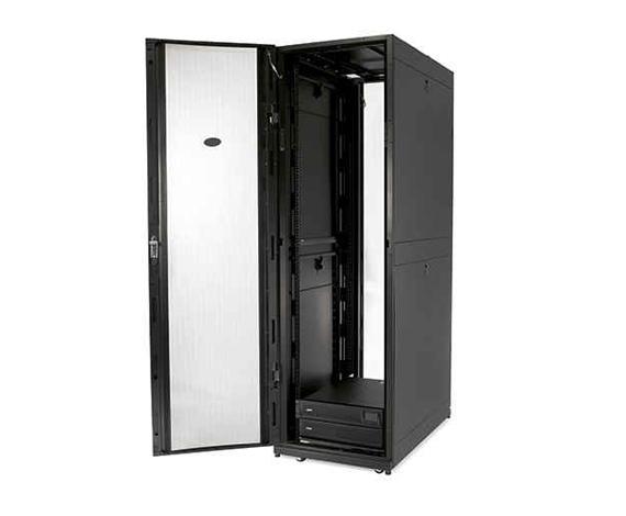Gabinete NetShelter SX 42U, 600mm de Largura x 1200mm de Profundidade, com Partes Laterais Pretas